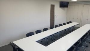 株式会社カネクラ-新社屋ミーティングルーム